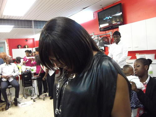 Africaine coiffure salon de coiffure dramey style for Salon coiffure africain